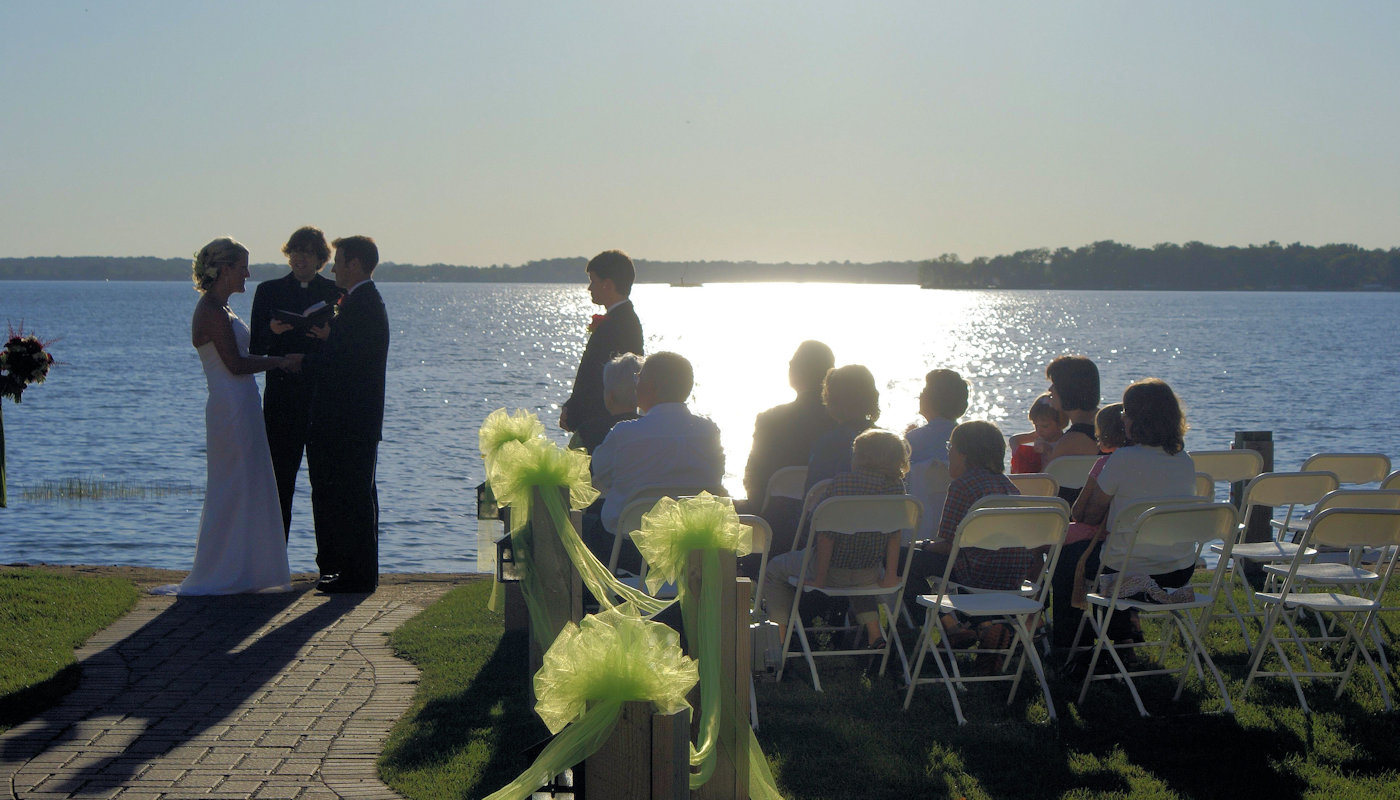 Detroit Lakes Wedding Ceremony Venue - The Lodge on Lake Detroit