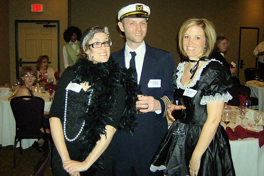 Cruising for Murder - Murder Mystery at The Lodge on Lake Detroit